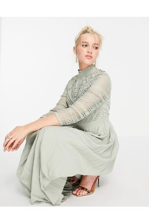 Little Mistress Mujer Midi - Lace detail midaxi dress in sage green