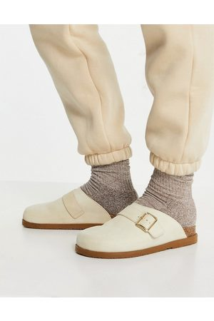 Schuh Valencia leather suede clogs in sand