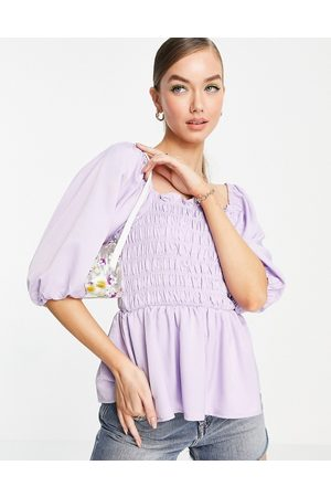 VERO MODA Blouse with shirring detail and volume sleeves in lilac