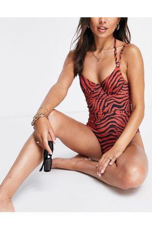 ASOS DESIGN Mujer Trajes de baño completos - Underwired swimsuit in zebra print