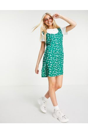 Wednesday's Girl Mujer Cortos - Mini dress with t