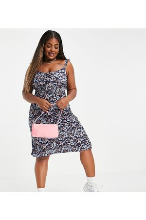Yours Mujer Cortos - Mini dress with ruffle detail in blue ditsy floral