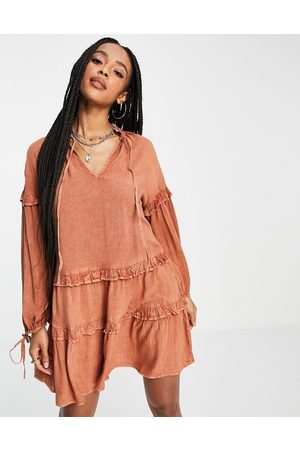 VIOLET ROMANCE Mujer Casuales - Tie neck tiered mini dress in rust