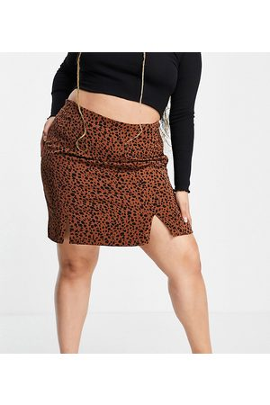 Glamorous Curve A line mini skirt with split hem in brown animal print