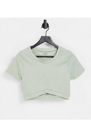 Mama.licious Mamalicious Maternity recycled blend active seamless crop top co