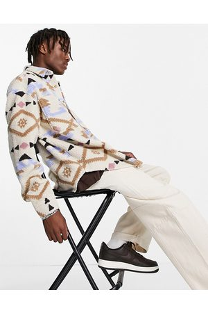 ASOS Hombre Casuales - 90s oversized aztec print shirt in borg