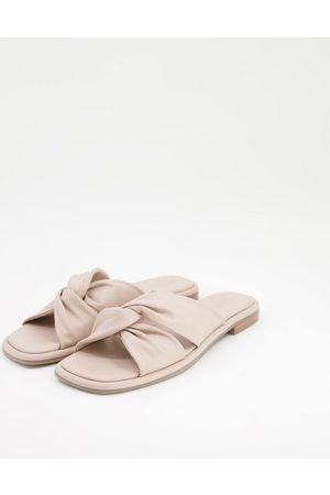 Ted Baker Pebba knot front flat sandal in blush