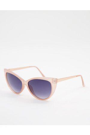 AJ Morgan Cat eye sunglasses