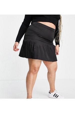 Lola May Curve Lola May Plus pleated mini skirt