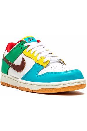 Nike Dunk Low SE sneakers