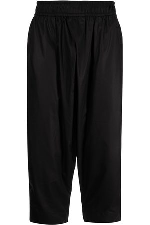 JULIUS Cropped drop-crotch trousers