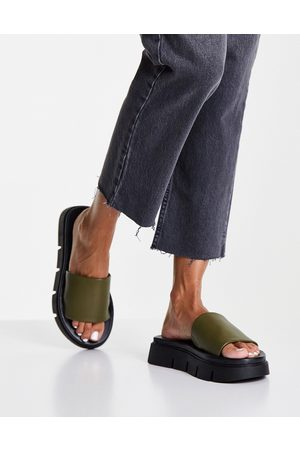 Schuh Thurman chunky slides in olive