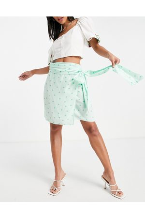 Style Cheat Mini wrap skirt co