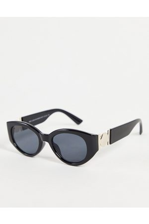 New Look Oval sunglasses with metal detail in black