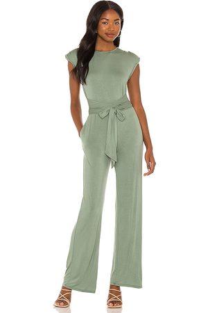 NBD Eloise jumpsuit en color verde oliva talla L en - Olive. Talla L (también en XXS, XS, S, M, XL).