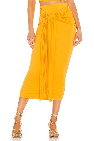 Camila Coelho Falda pixie en color mandarina talla L en - Tangerine. Talla L (también en S).