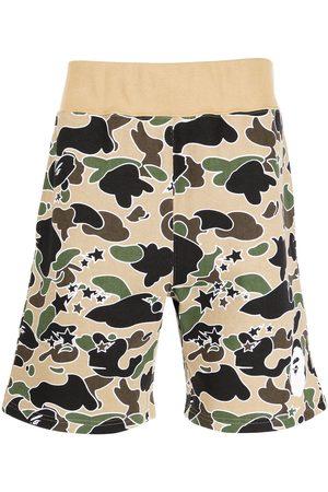 A Bathing Ape Hombre Bermudas - Camouflage-print cotton shorts