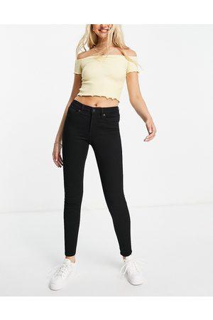 Monki Skinny jeans in black