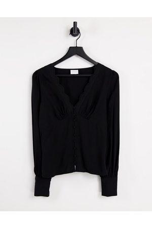 VILA Tea blouse in black