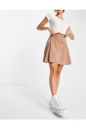 Lola May Pleated tennis mini skirt in cappucino