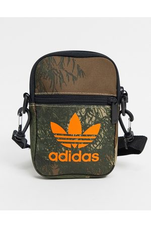 adidas Small bag in green