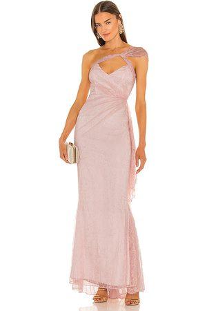 Michael Costello Vestido largo landon en color rosado talla L en - Pink. Talla L (también en M, S, XL, XS, XXS).