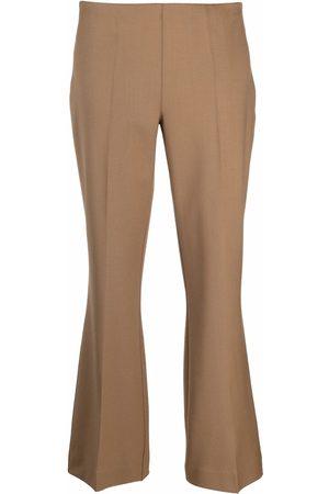 P.a.r.o.s.h. Mujer Capri o pesqueros - Cropped tailored trousers
