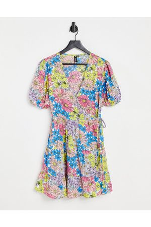 Influence Wrap front mini dress in retro floral print