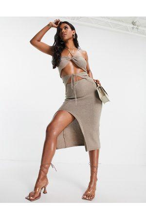I saw it first Mujer Maxi - Extreme cut out bikini tie waist maxi dress in stone