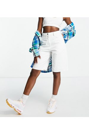 COLLUSION 90s baggy extreme dad shorts in white