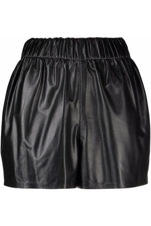 Manokhi Mujer Shorts - Shorts de cuero fruncidos