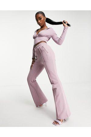 Simmi Clothing Mujer Leggings y treggings - Simmi exclusive kick flare jogger in lavender