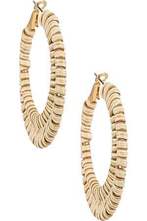 Shashi Pendientes de aro port en color oro metálico talla all en - Metallic Gold. Talla all.