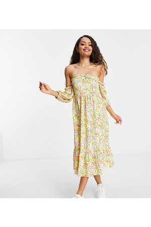 Miss Selfridge Ruched bardot maxi dress in retro floral print