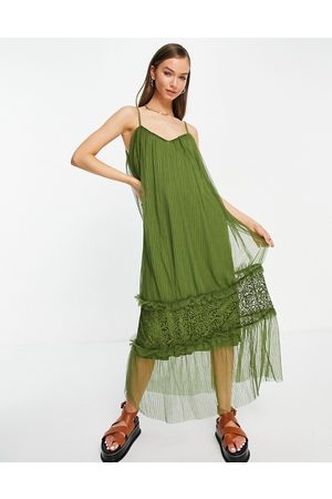 VILA Mujer Maxi - Cami maxi dress with tulle tiered skirt in khaki