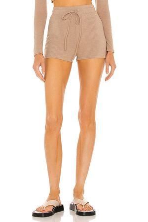 h:ours Almira shorts en color bronce talla L en - Tan. Talla L (también en XXS, XS, S, M, XL).