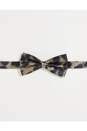 Bolongaro Smudged leopard bow tie