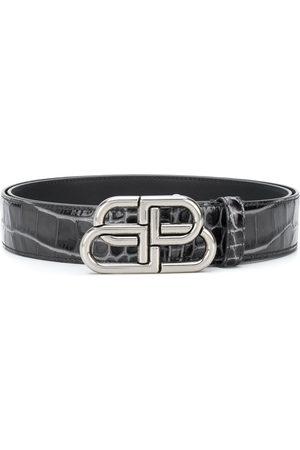 Balenciaga Cinturón BB con efecto piel de cocodrilo