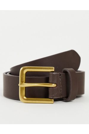 ASOS DESIGN Leather slim belt in brown with antique gold buckle