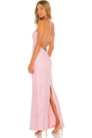 MAJORELLE Vestido largo bellamira en color rosado talla L en - Pink. Talla L (también en XXS, XS, S, M, XL).