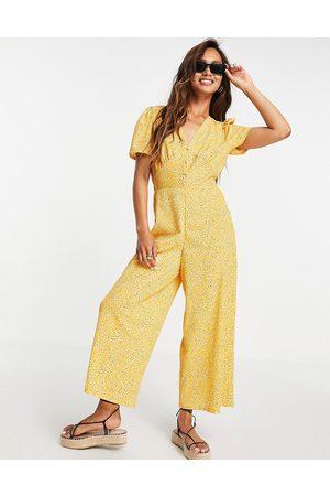 ASOS DESIGN Mujer Largos - Tea jumpsuit in mustard floral