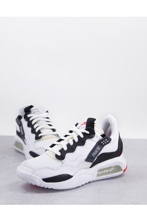 Jordan MA2 trainers in white and black