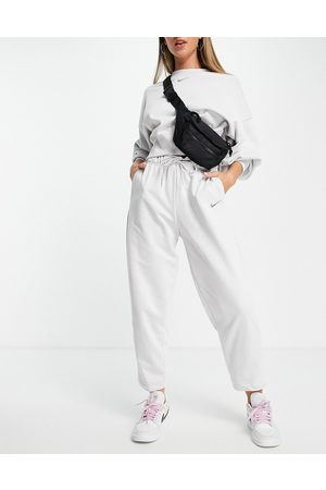 Nike Lounge essential fleece pants in grey marl