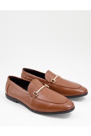 ASOS DESIGN Loafers in tan faux leather with snaffle detail