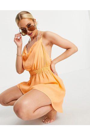 ASOS DESIGN Mujer Cortos - Cowl neck skinny strap playsuit in orange