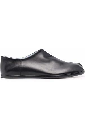 Maison Margiela Zapatos con agujetas y puntera Tabi