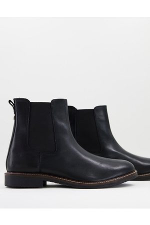 Farah Leather chelsea boots in black