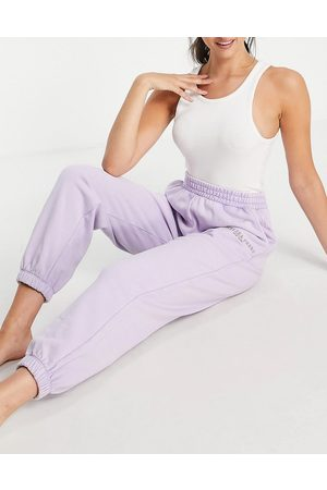 Chelsea Peers Organic cotton acid wash jogger in lilac