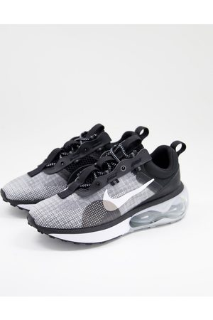 Nike Air Max 2021 trainers in black and grey