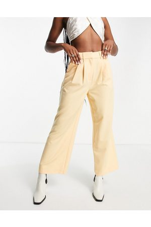 Y.A.S Tailored high waisted cropped trouser in cream